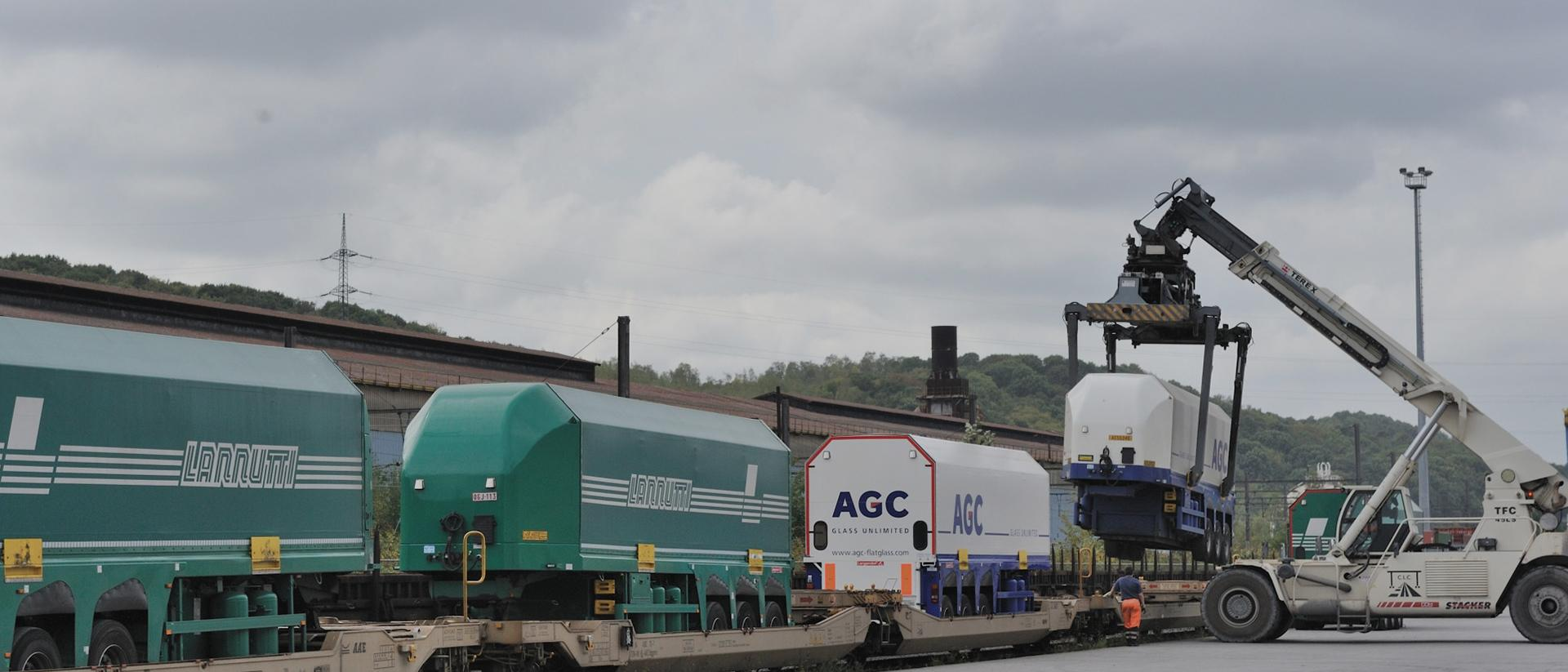 AGC glass transport
