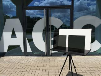 ultra-dark grey glass for automotive AGC Automotive Europe Belgium